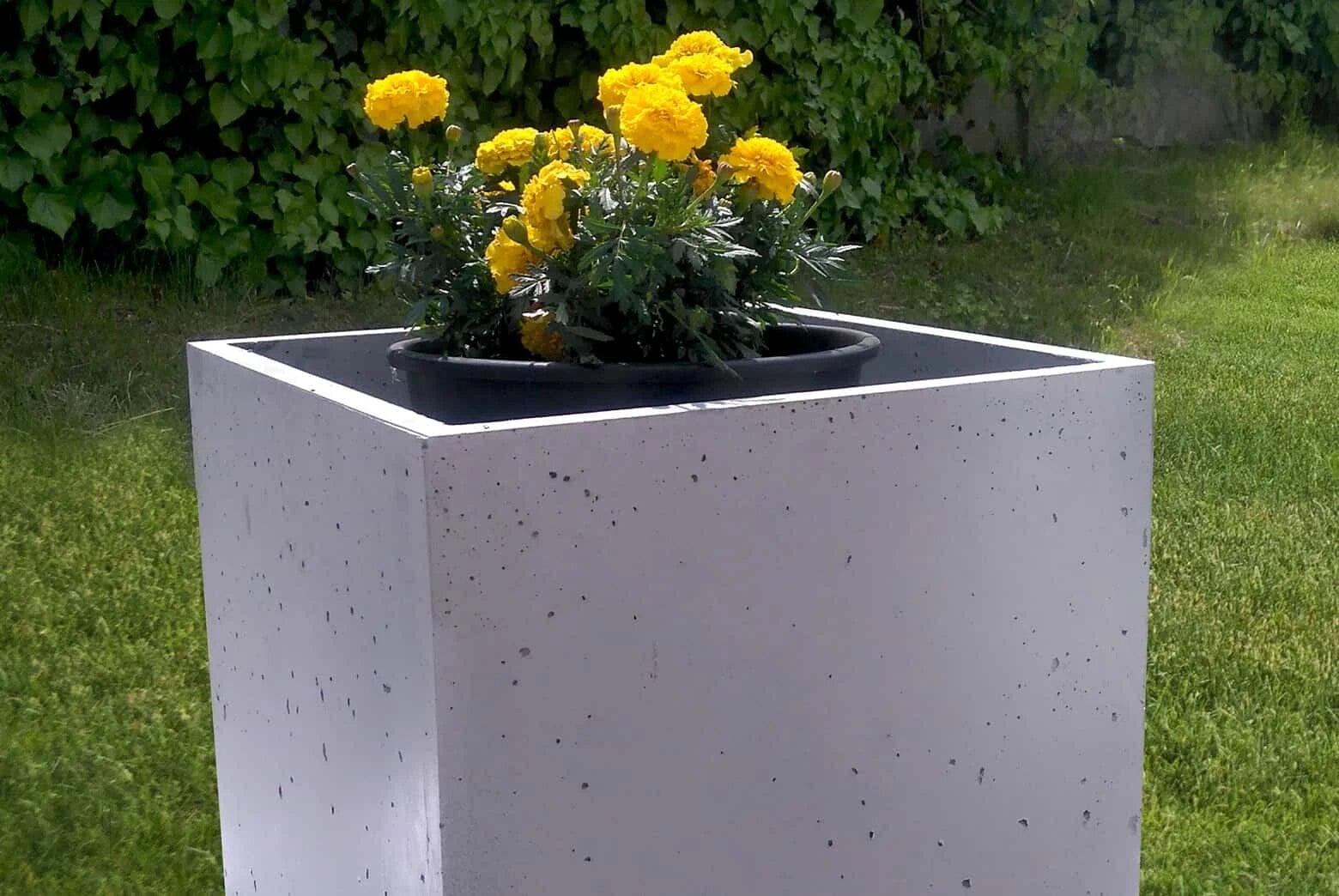 donica z betonu architektonicznego