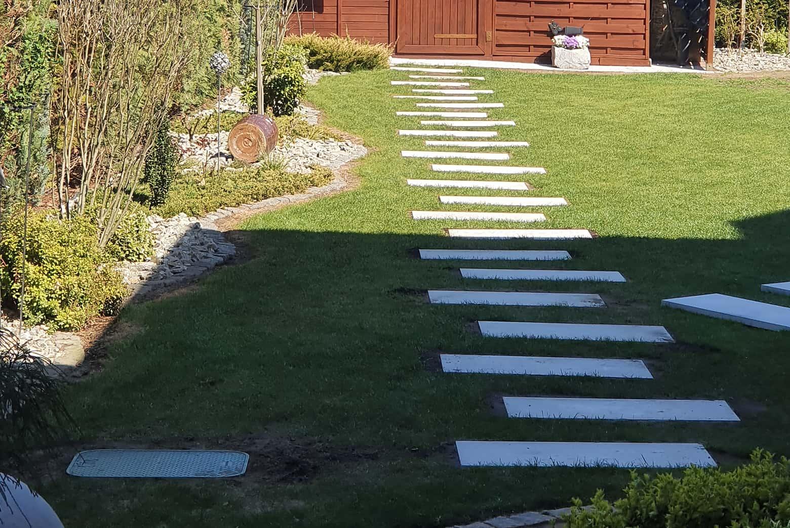 Płyty elewacyjne w ogrodzie