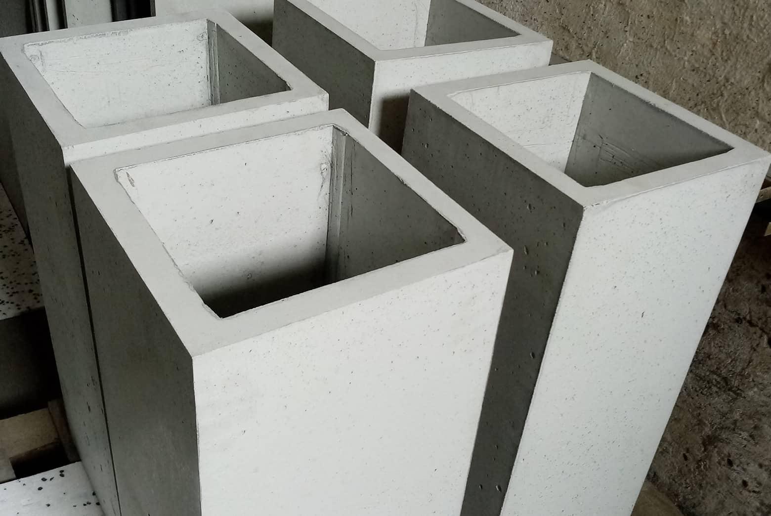 Wysokie donice betonowe