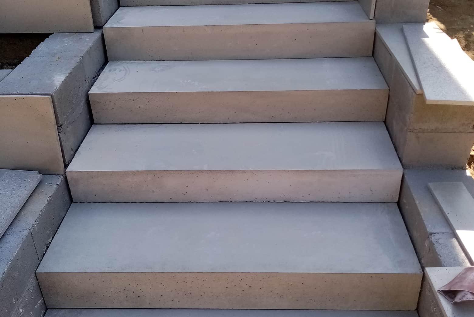 Okładziny stopni betonowych