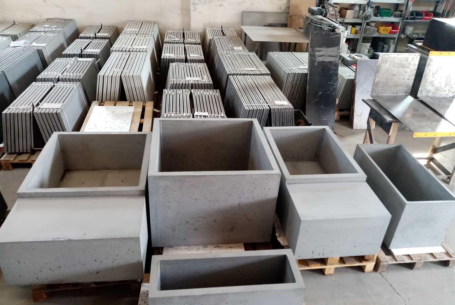 Małe donice betonowe